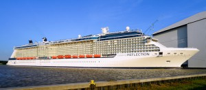 Celebrity Reflection vor der Meyer Werft